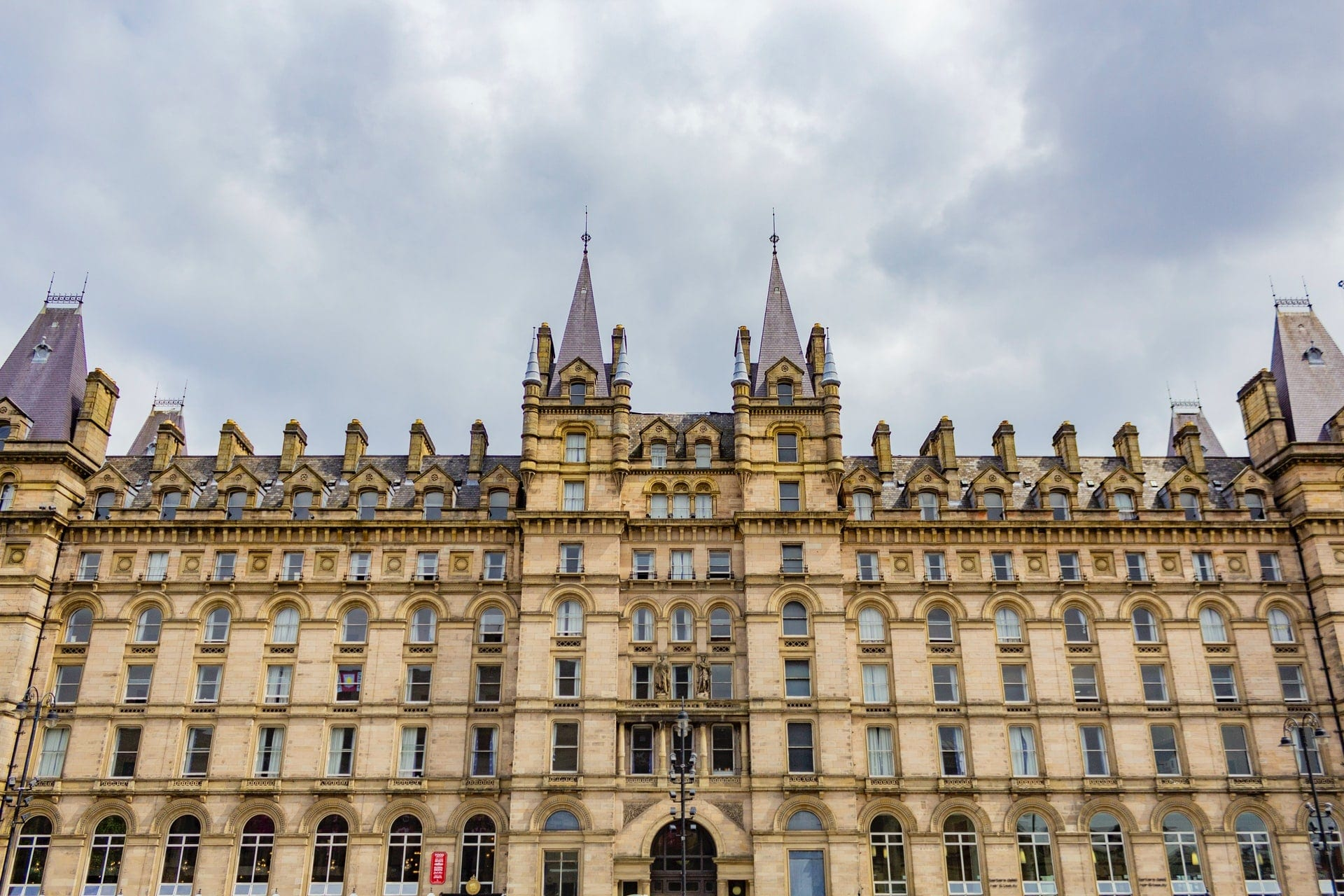 old-historic-building-in-liverpool-england