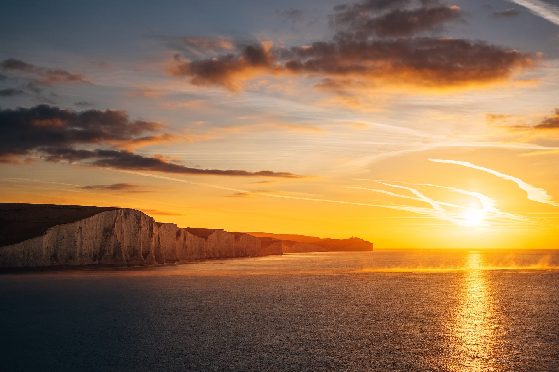 sunset-at-seven-sisters-cliffs-and-sea-english-channel-south-downs-east-sussex-day-trips-from-london-by-car